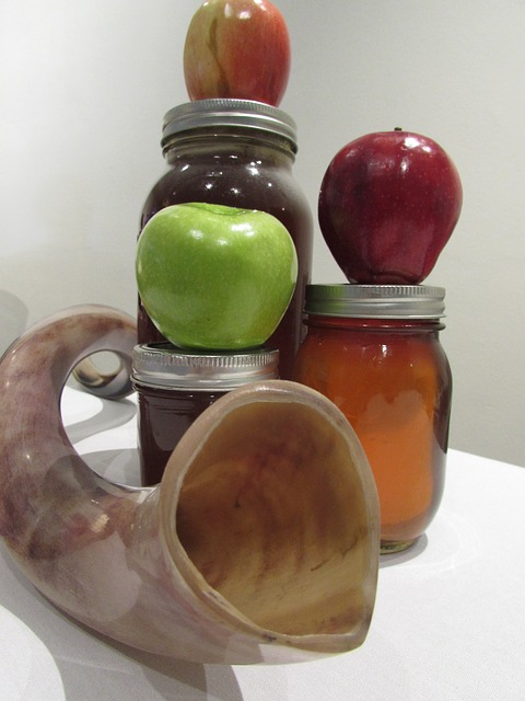 shofar-apple-honey